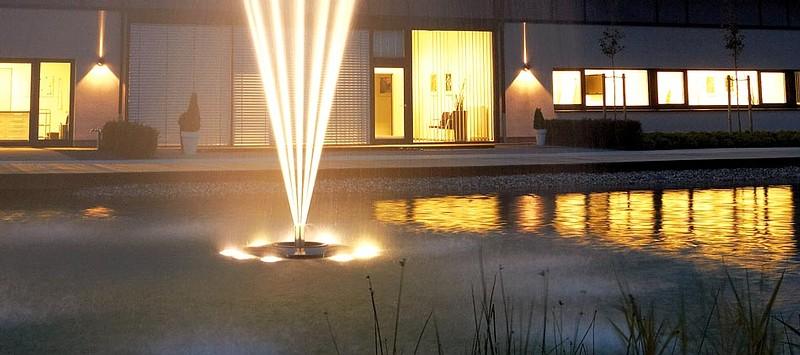 Oase Lunaqua 10 LED - Installation an einem Schwimmaggregat